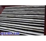 900666  cowhide rug tapis peau de vache PATCHWORK