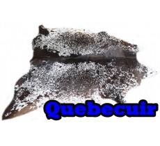A 40731  Cowhide rug Tapis peau de vache  Collection Quebecuir Premium
